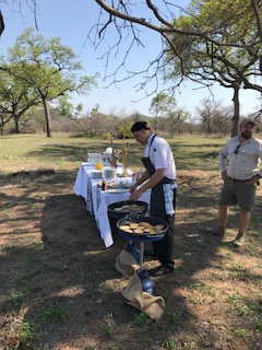 Ulusaba Chef whipping up fresh hot pancakes in the middle of the bush <3